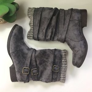 Gray Brown Boots Sweater Slouchy Belted 8
